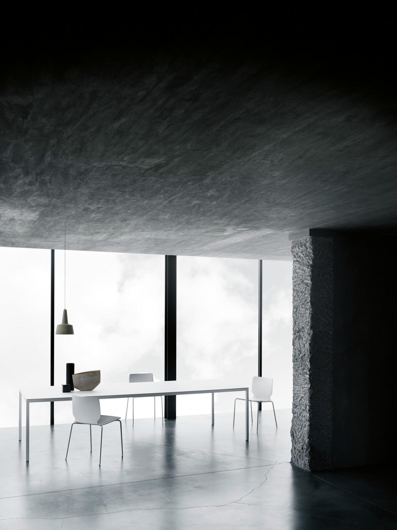 Tisch – Helsinki