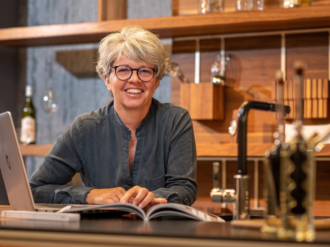 Eveline Imhasly, Wohnberaterin/Verantwortliche Küchenabteilung Planung + Verkauf
